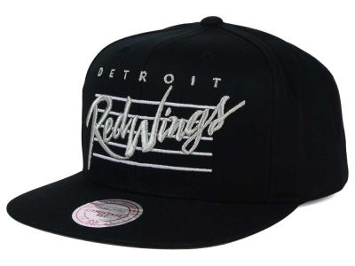 Detroit Red Wings Mitchell and Ness NHL Cursive Script Cotton Snapback Cap