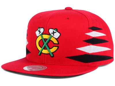 Chicago Blackhawks Mitchell and Ness NHL Solid Diamond Snapback Cap