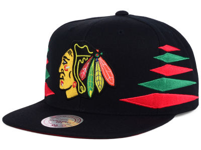 Chicago Blackhawks Mitchell & Ness NHL Solid Diamond Snapback Cap