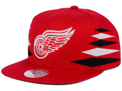 Detroit Red Wings Mitchell and Ness NHL Solid Diamond Snapback Cap