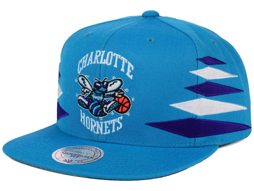 53fadfe93a0 Charlotte Hornets Mitchell   Ness NBA Solid Diamond Snapback Cap ...