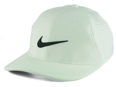 Nike Golf Ultralight Tour Performance Cap