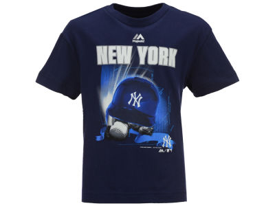 New York Yankees MLB Youth Kinetic Helmet T-Shirt