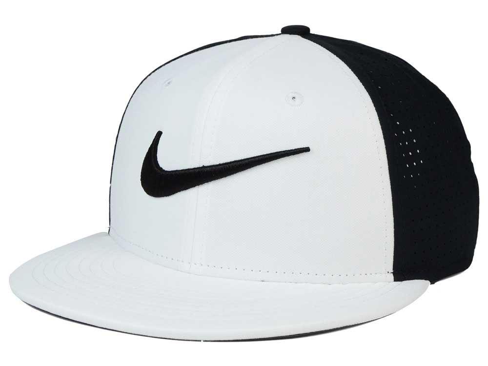Nike Vapor True Snapback Cap  2b57d32819e