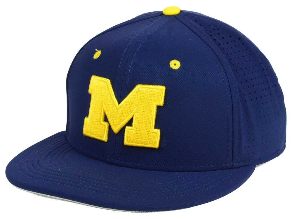 Michigan Wolverines Nike NCAA True Vapor Fitted Cap  6b5ce65f021