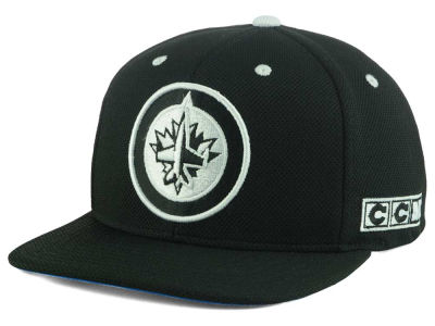 Winnipeg Jets Reebok NHL Blackout Snapback Cap