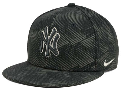New York Yankees Nike MLB Anthracite Snapback Cap
