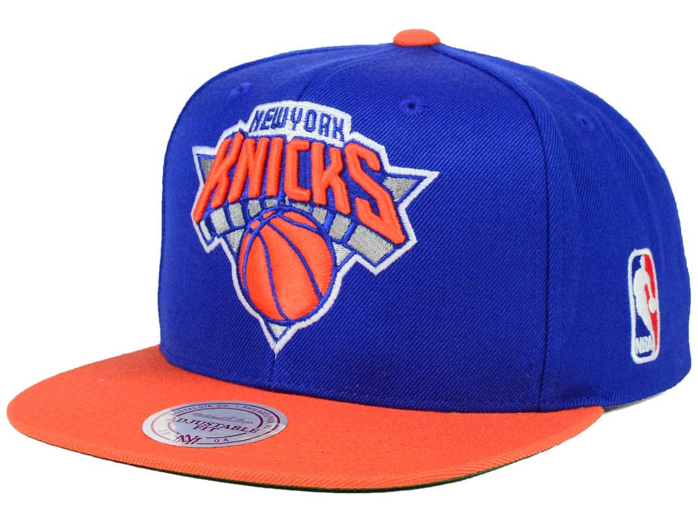 901e4531bc2 New York Knicks Mitchell   Ness NBA XL Logo Snapback Cap