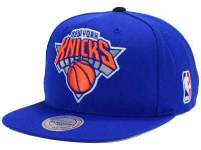 New York Knicks Mitchell and Ness NBA XL Logo Snapback Cap