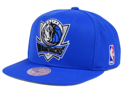 Dallas Mavericks Mitchell & Ness NBA XL Logo Snapback Cap
