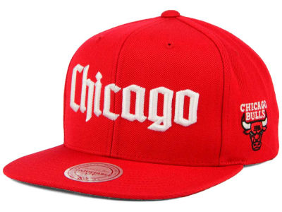 Chicago Bulls Mitchell and Ness NBA Gothic City Snapback Cap