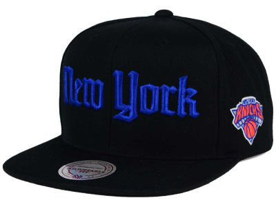 New York Knicks Mitchell and Ness NBA Gothic City Snapback Cap