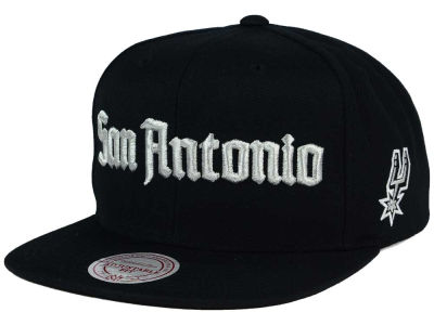 San Antonio Spurs Mitchell and Ness NBA Gothic City Snapback Cap