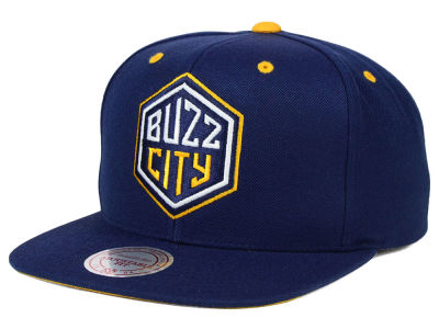 Charlotte Hornets Mitchell and Ness NBA Navy & Yellow Snapback Cap