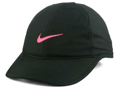 Nike Women's Featherlight Cap