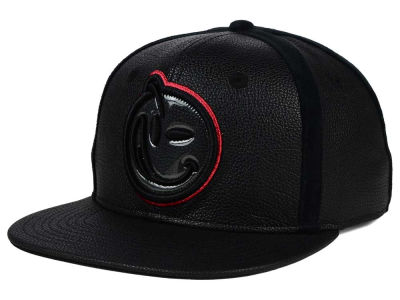 YUMS Classic Hook-Up Snapback Cap