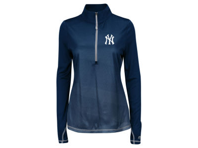 New York Yankees Majestic MLB Women's Believe & Succeed Pullover