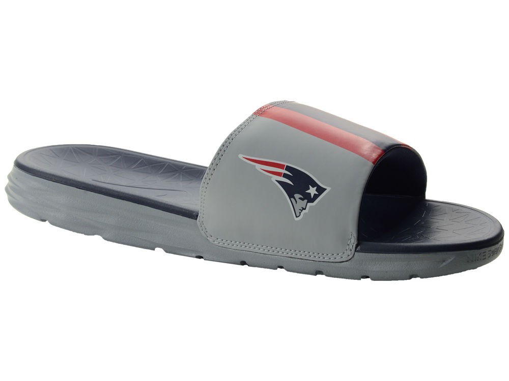d75b1e63b812c New England Patriots Nike Men s Benassi Solarsoft Slide Sandals ...