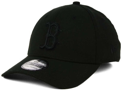 Boston Red Sox New Era MLB Black on Black Classic 39THIRTY Cap