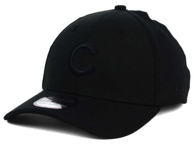 Chicago Cubs New Era MLB Black on Black Classic 39THIRTY Cap