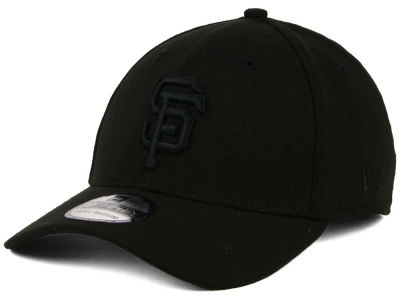 San Francisco Giants New Era MLB Black on Black Classic 39THIRTY Cap