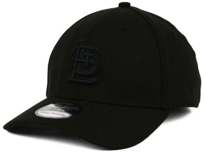 St. Louis Cardinals New Era MLB Black on Black Classic 39THIRTY Cap