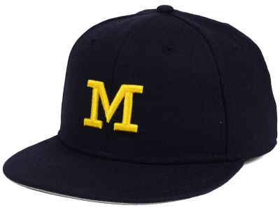Michigan Wolverines Nike NCAA Wool True College Fitted Cap