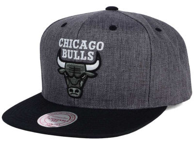 Chicago Bulls Mitchell & Ness NBA Cation 2Tone Snapback Cap