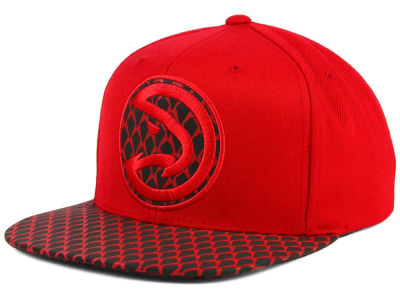 Atlanta Hawks Mitchell and Ness NBA Reflective Iridescent Snapback Cap