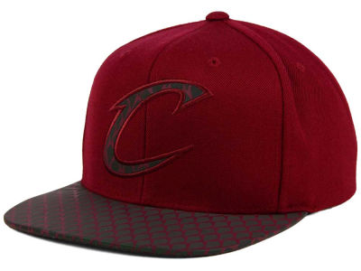 Cleveland Cavaliers Mitchell and Ness NBA Reflective Iridescent Snapback Cap
