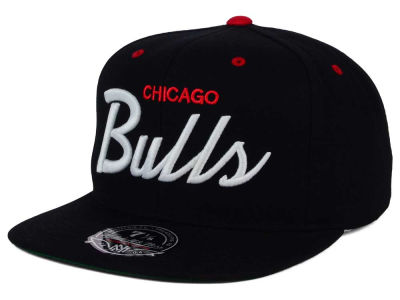 Chicago Bulls Mitchell and Ness NBA Old Cool Script Fitted Cap