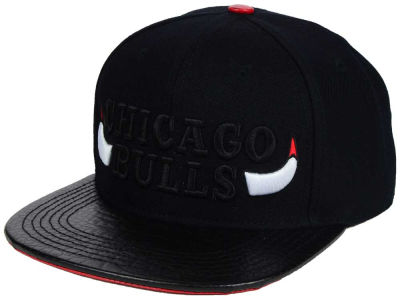 Chicago Bulls Pro Standard NBA Black Leather Strapback Cap