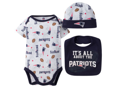 New England Patriots NFL Newborn 3 Pc Set Bib and Cap Set