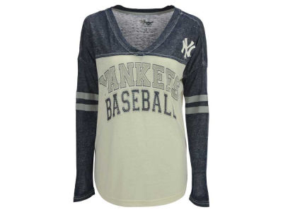 New York Yankees GIII MLB Women's Field Position Long Sleeve T-Shirt