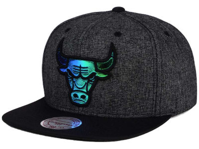 Chicago Bulls Mitchell & Ness NBA Reflective Gaze Snapback Cap