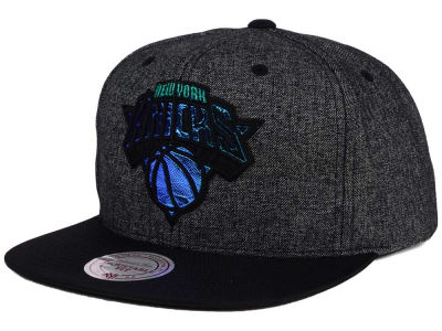 New York Knicks Mitchell and Ness NBA Reflective Gaze Snapback Cap