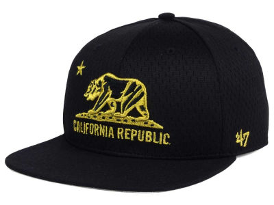 California Cal Beat Box Snapback Cap