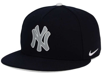 New York Yankees Nike  MLB True Reflective Snapback Cap