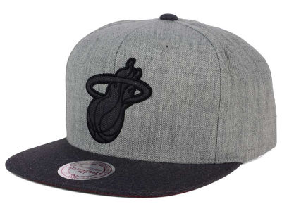 Miami Heat Mitchell & Ness NBA Double Heather Snapback Cap
