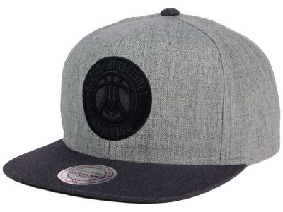 Milwaukee Bucks Mitchell and Ness NBA Double Heather Snapback Cap