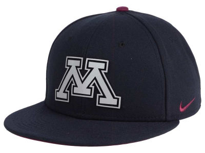 Minnesota Golden Gophers Nike NCAA True Reflective Snapback Cap