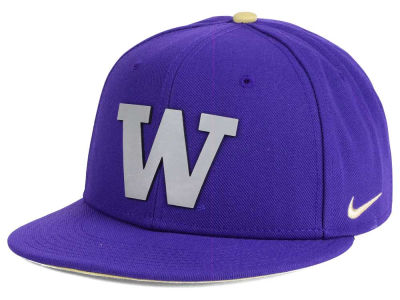 Washington Huskies Nike NCAA True Reflective Snapback Cap