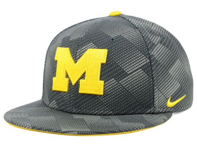 Michigan Wolverines Nike NCAA Anthracite Snapback Cap