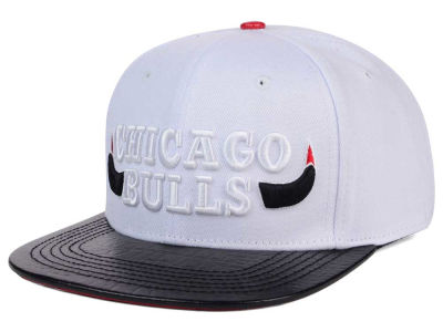 Chicago Bulls Pro Standard NBA White Black Leather Strapback Hat