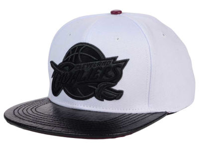 Cleveland Cavaliers Pro Standard NBA White Black Leather Strapback Hat