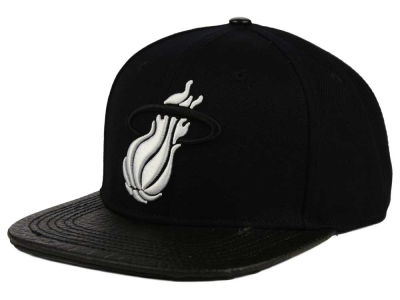 Miami Heat Pro Standard NBA Black on Black Leather Strapback Cap
