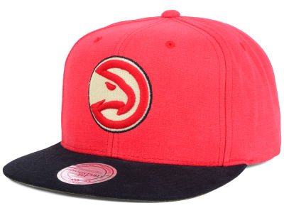 Atlanta Hawks Mitchell and Ness NBA Sandy Off White Snapback Cap