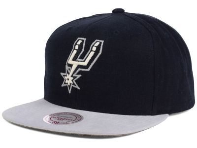 San Antonio Spurs Mitchell and Ness NBA Sandy Off White Snapback Cap