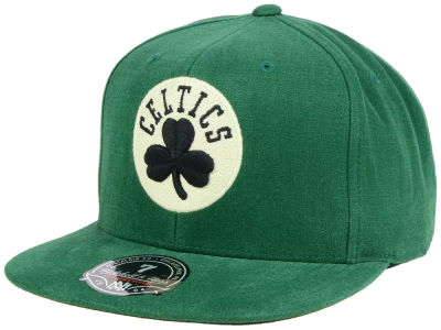 Boston Celtics Mitchell and Ness NBA Sandy Off White Logo Fitted Cap