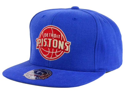 Detroit Pistons Mitchell and Ness NBA Sandy Off White Logo Fitted Cap
